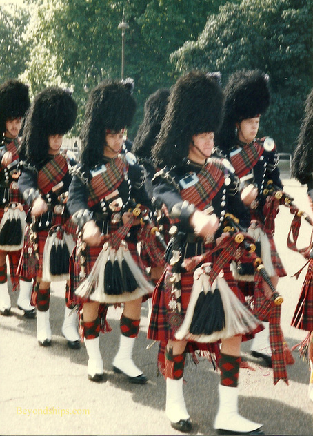 Scots Guards bagpipers