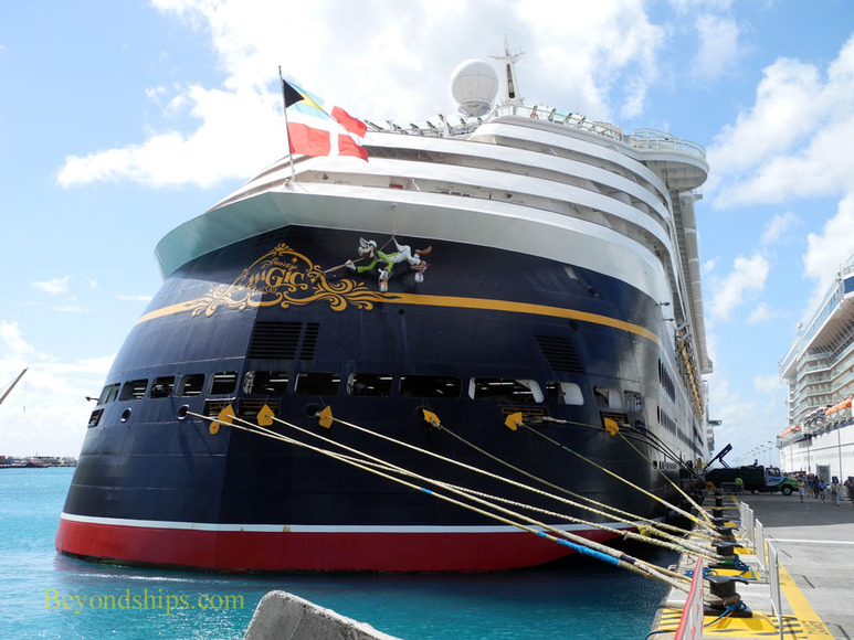 Cruise ship Disney Magic