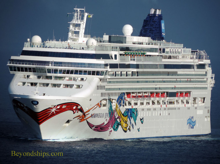 Picture Norwegian Jewel cruise ship
