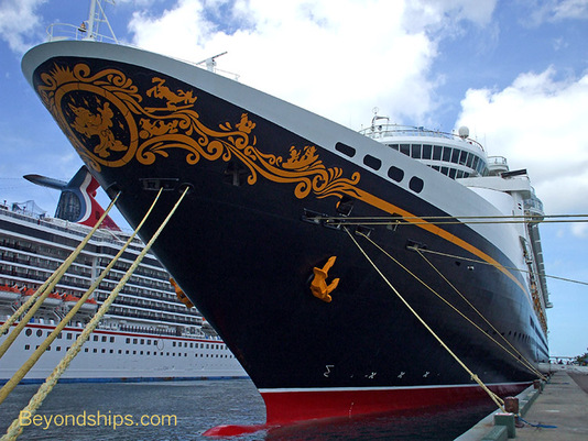 Cruise ship Disney Wonder