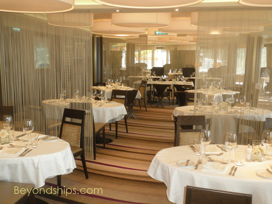 The Epic Club on cruise ship Norwegian Epic