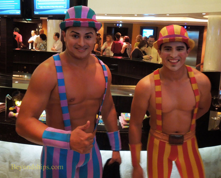 Acrobats on Norwegian Epic cruise ship