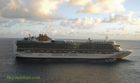 Picture cruise ship Emerald Princess in St. Kitts.