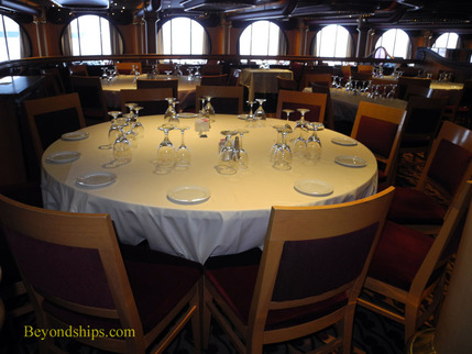 Picture cruise ship Carnival Paradise dining room