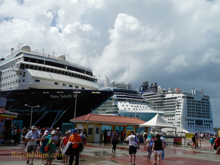 Picture cruise ships Norwegian Epic, Celebrity Reflection and Mein Schiff 1.