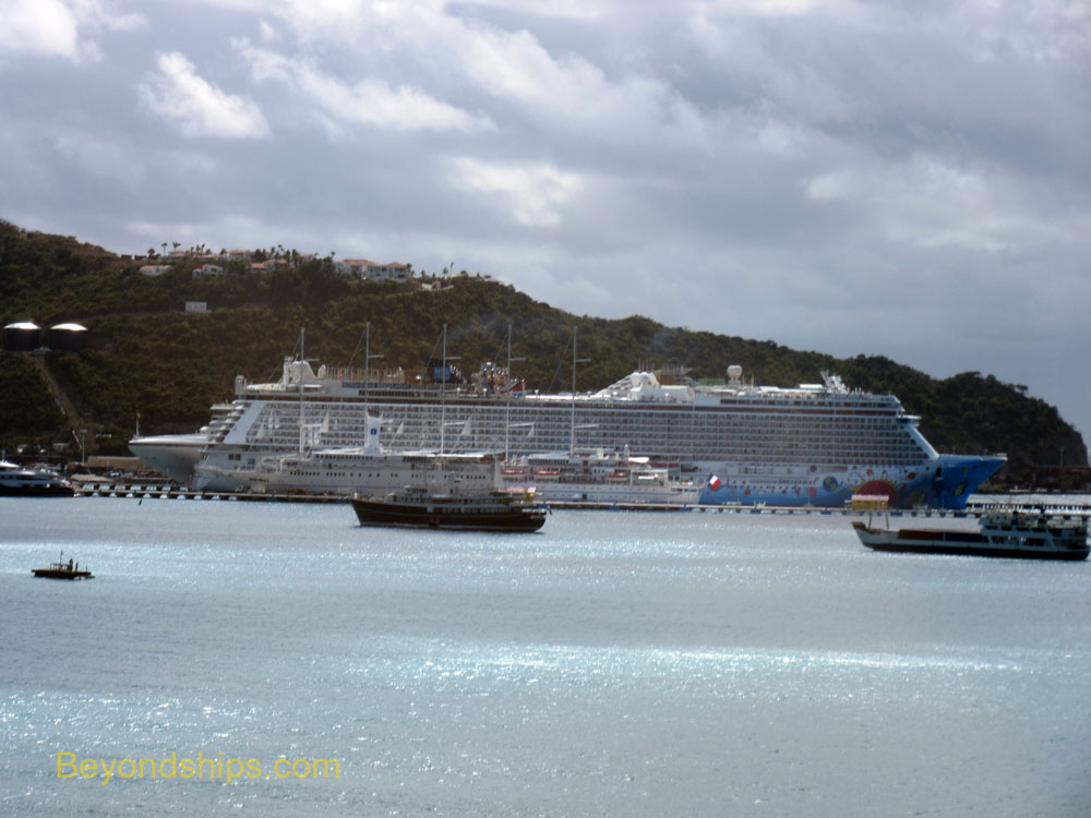 Norwegian Breakaway and other ships in St. Maarten