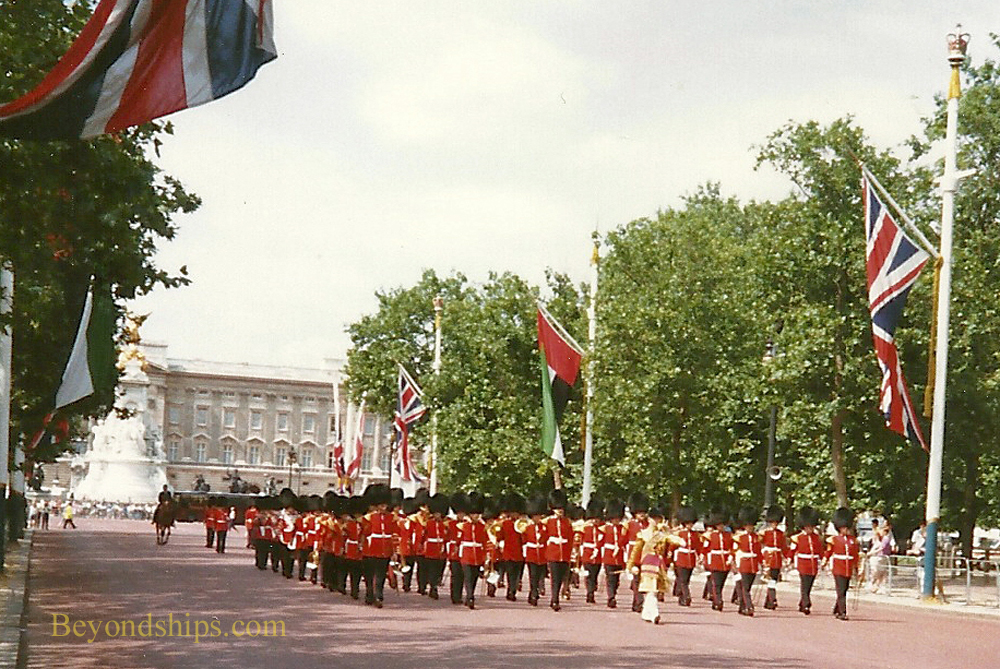 Changing of the Guard, Guards marching