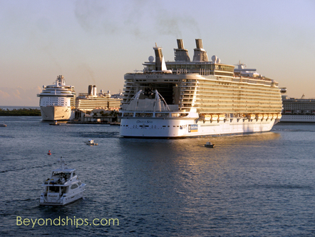 Cruise ships Navigator of the Seas and Oasis of the Seas