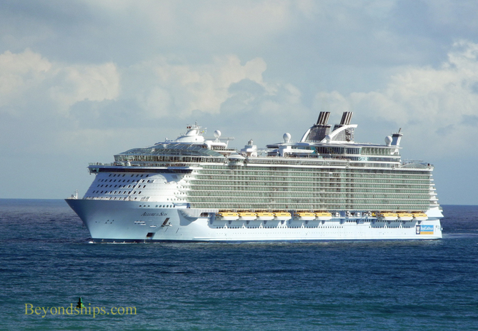 Cruise ship Allure of the Seas Royal Caribbean