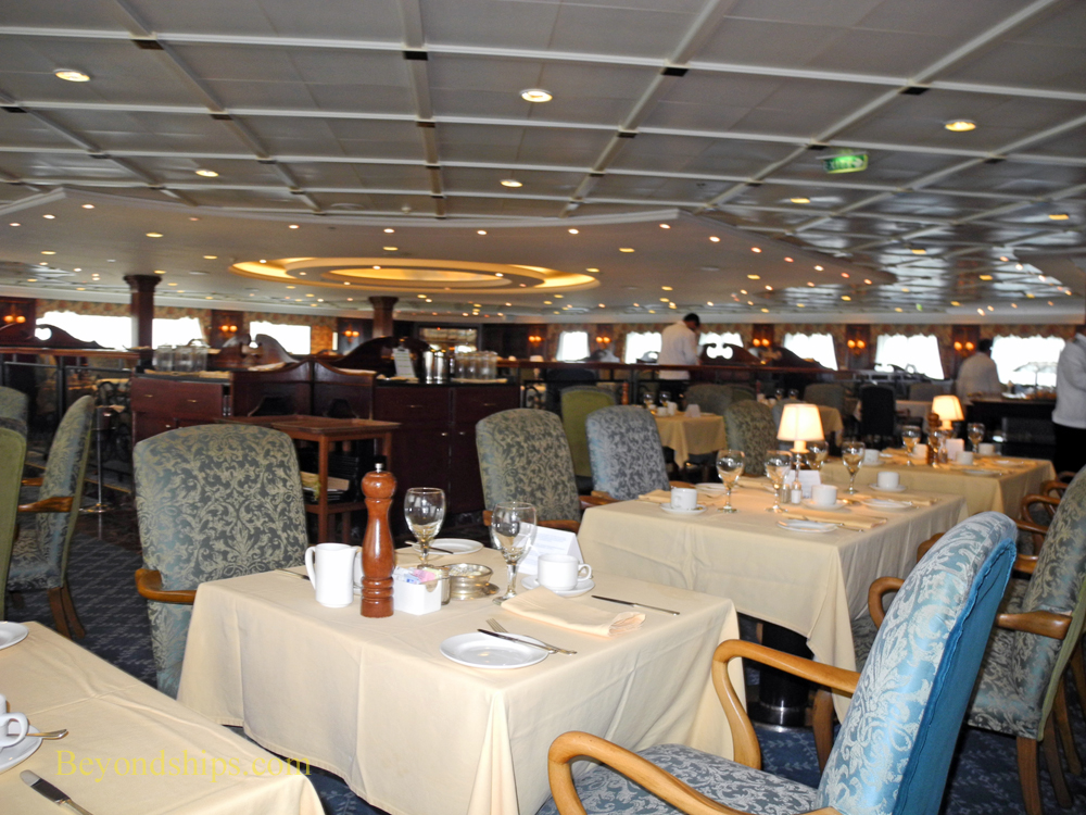 The Club Restaurant on cruise ship Ocean Princess
