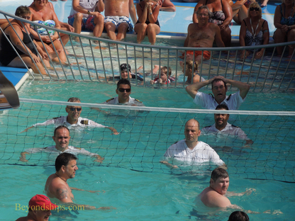 Picture Visiont of the Seas officer water volley ball