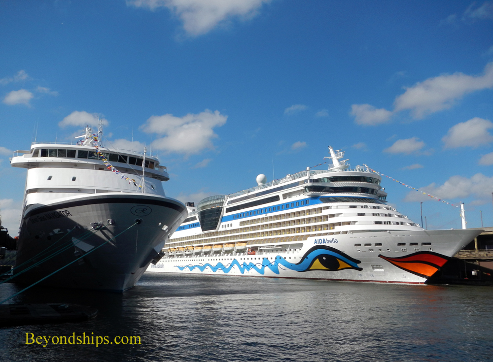 Cruise ships Seven Seas Navigator and AIDAbella