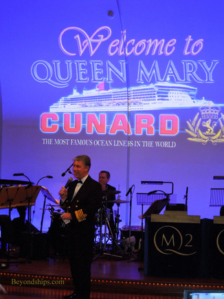 Picture Captain Kevin Oprey of Queen Mary 2