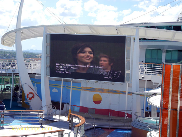 Outdoor movie screen on Independence of the Seas
